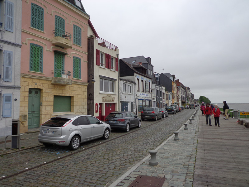 Seaside village Saint-Valery-sur-Somme should be beautiful, but instead just seems grey