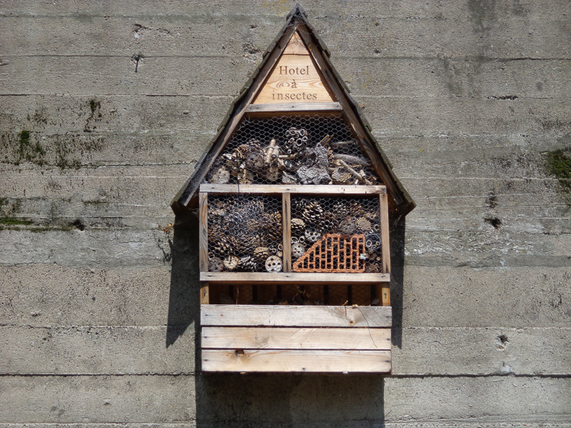 'Hotel a Insectes' (Insect hotel) at park in Calais